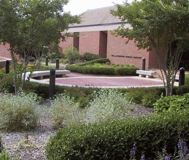 http://siskaaurand.com/wp-content/uploads/2013/01/stricker-garden1-640x540.jpg