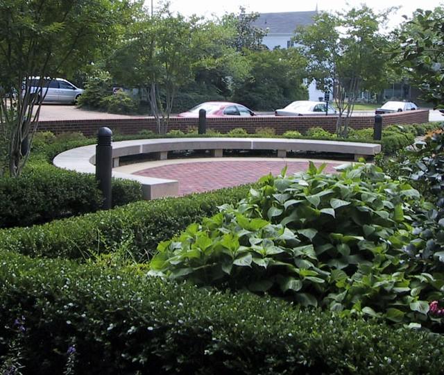 http://siskaaurand.com/wp-content/uploads/2013/01/stricker-garden2-640x540.jpg